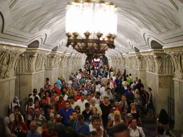 At least 20 killed, 120 hurt in Moscow subway accident