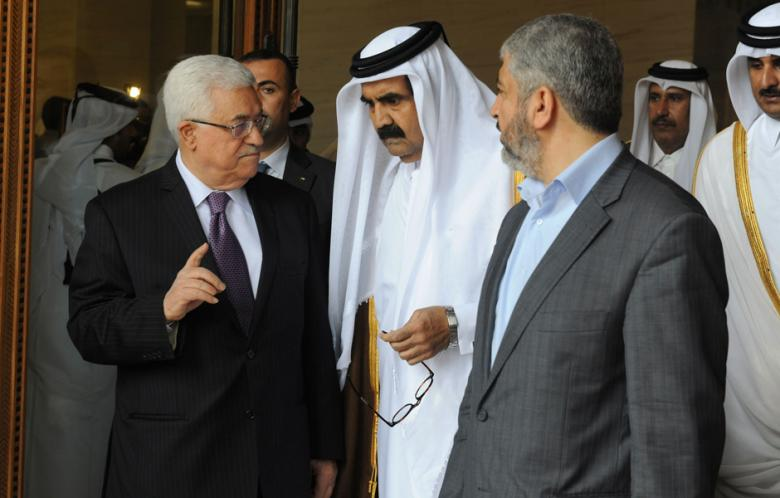 Abbas discusses Gaza reconstruction with Emir of Qatar