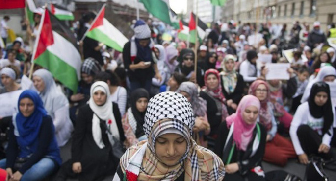 Thousands protest Israel's Gaza operation in Berlin