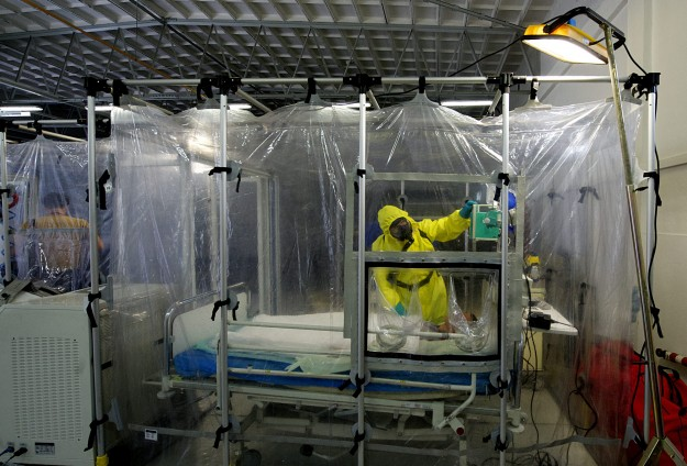 WHO shuts Sierra Leone lab to protect health workers