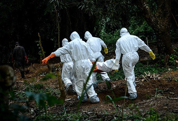Sierra Leone to impose countrywide Ebola lockdown