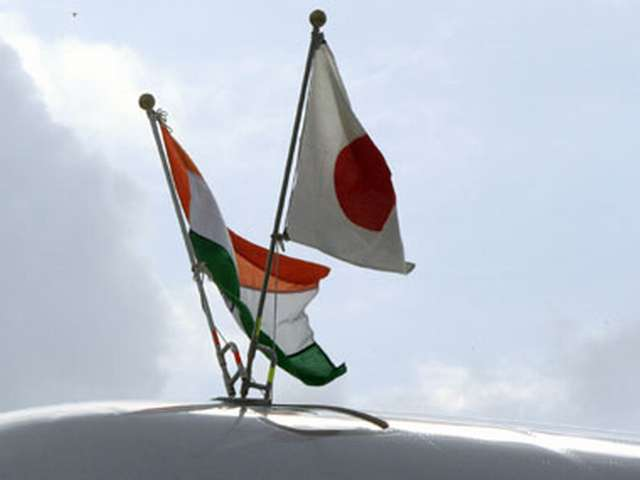 Japan and India vow to boost defence ties during summit -UPDATED