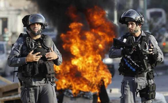 Israel detains 4 Palestinians for 'throwing stones'