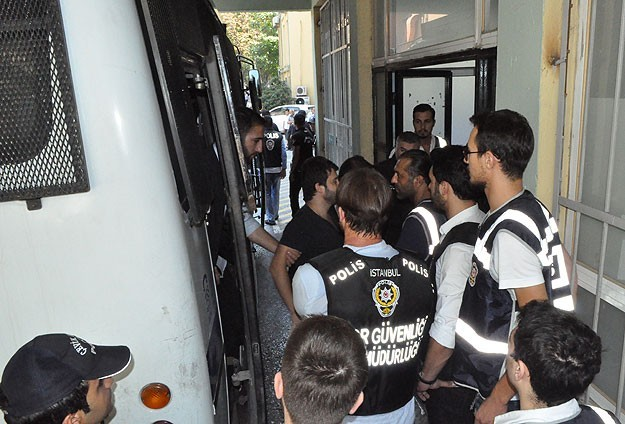 Five police officers arrested in Turkish 'wiretapping' case