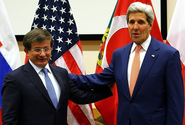 Kerry in Turkey to bolster support for fight against IS