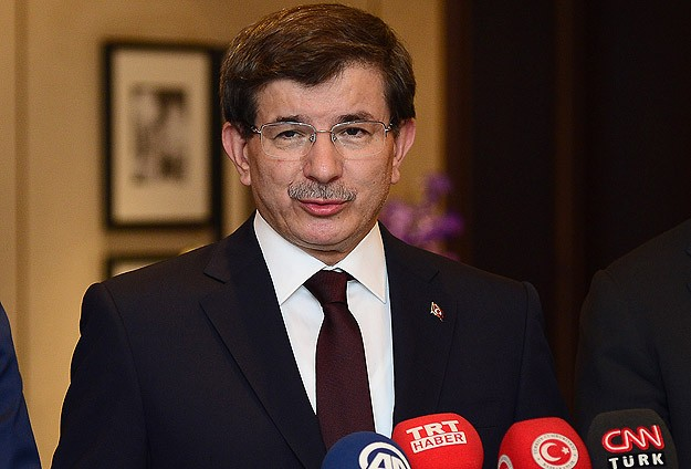 Turkish PM Davutoglu: We oppose ISIL and Assad