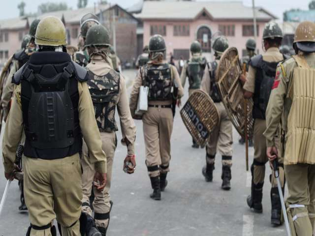 Indian slaughter continues in Kashmir