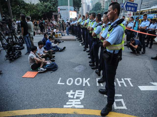 Hong Kong police crackdown on pro-democracy protests