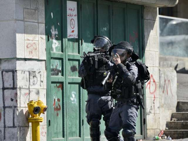 Israel raids West Bank, clashes erupted in E. Jerusalem