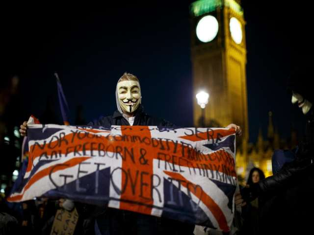 Thousands of anti-capitalist protesters march in London