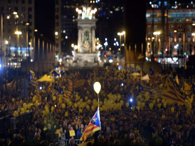 Spain government moves to block new Catalan vote