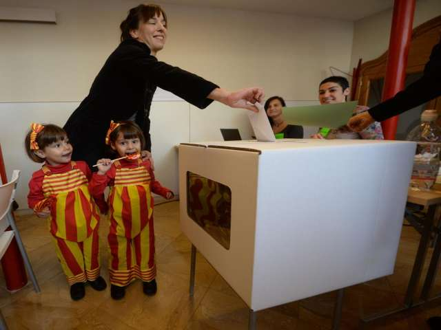 Catalans occupy schools ahead of independence vote