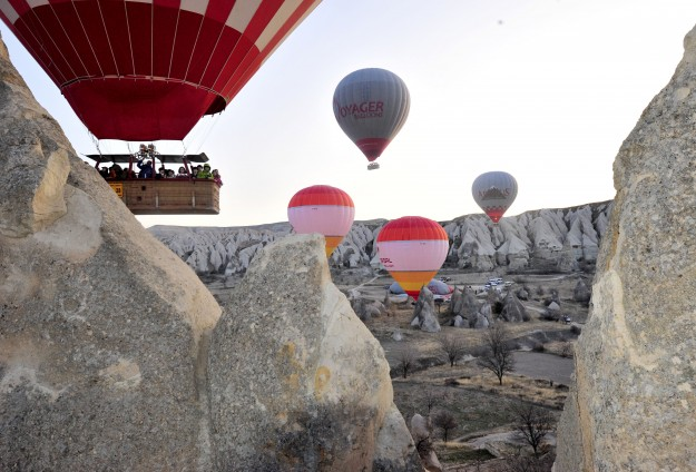 Hot air balloons boost tourism in Turkey's Cappadocia
