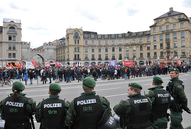 Record number at Germany's anti-immigrant, racist rally