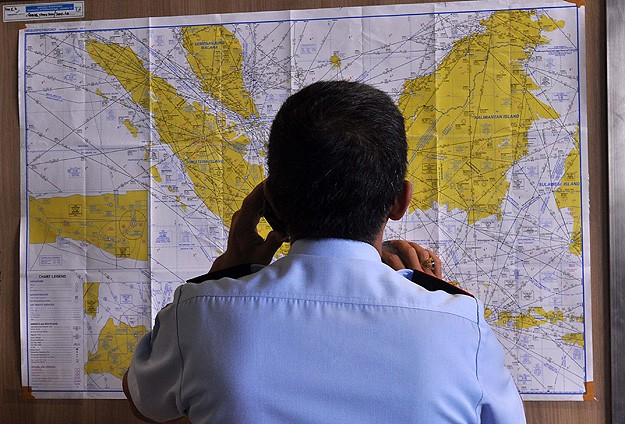 Indonesia set to resume search for missing AirAsia plane -UPDATED