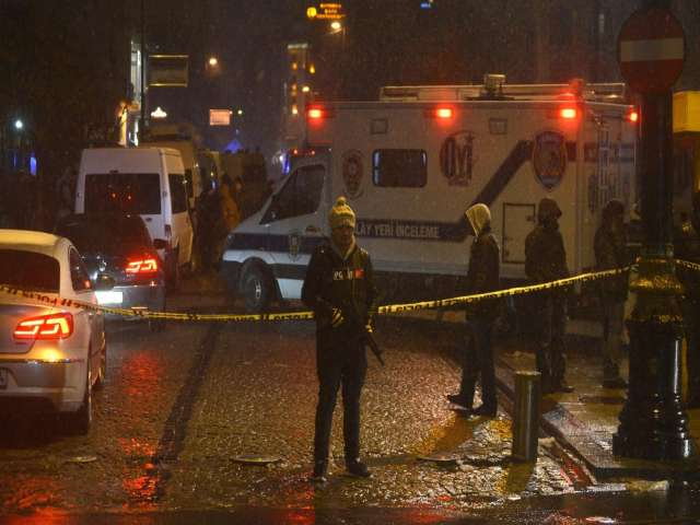 Policeman dies following suicide attack in Istanbul