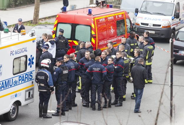 Obama condemns France shooting, offers U.S. assistance