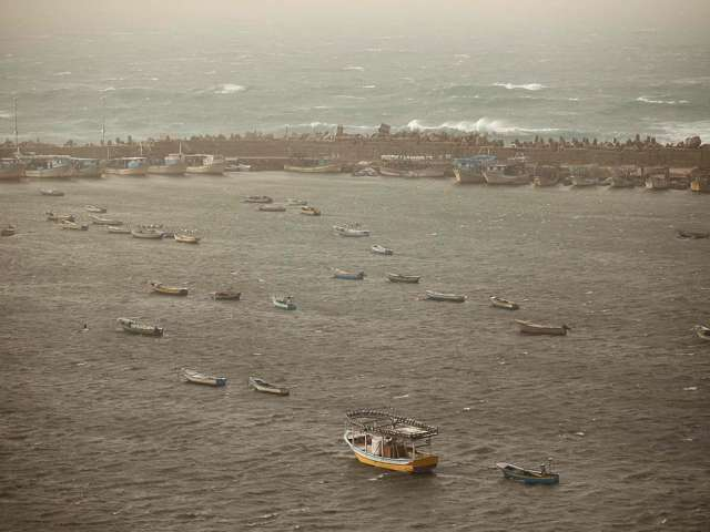 Palestinian fisherman injured, Israeli forces enter Gaza