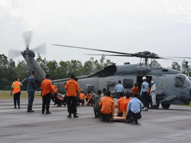 Indonesian searchers believe crashed AirAsia's fuselage found