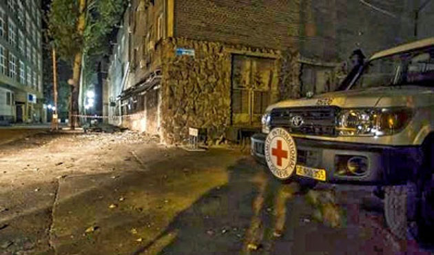 Pro-Russian separatists fire at Red Cross officials