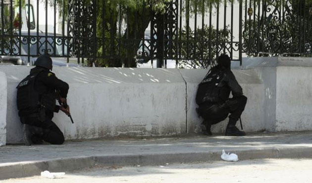 Tunisian forces free all hostages