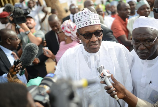 Nigerian opposition in early poll lead