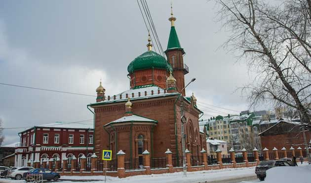 Red Juma mosque opens after 90 years