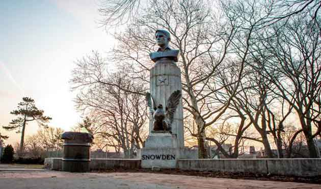 E.Snowden's illegal bust in New York