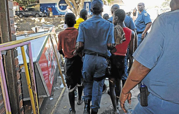 Malawi repatriates 420 xenophobia victims from S. Africa