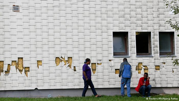 Germany: Racist graffiti attack on refugee shelter