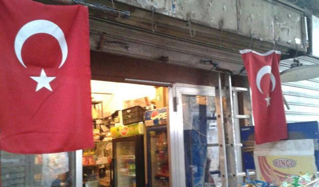 Tripoli raises Turkish flag in solidarity with Turkey
