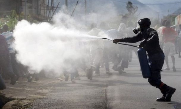 Police tear gas protest for mangrove forest in Dhaka