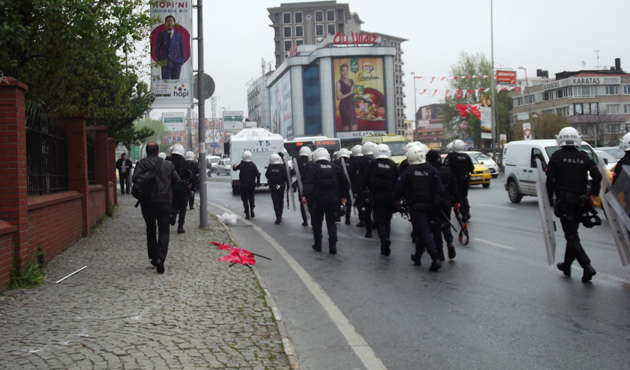 Police make arrests in Istanbul during May 1 protests