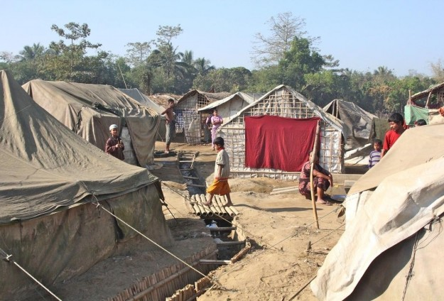 Thai officials find largest human trafficking camp
