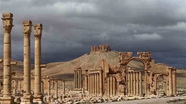 ISIL battles Syrian army near UNESCO site