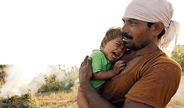 Crop-loss Indian farmers sell their children to survive