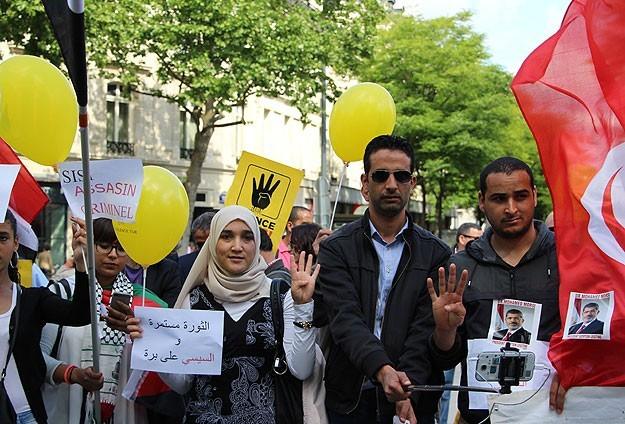 Morsi's death sentence protested in Paris