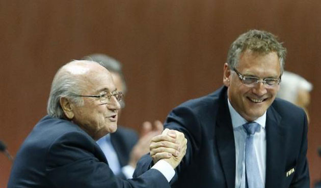 Top FIFA aide linked to money transfer key to indictment