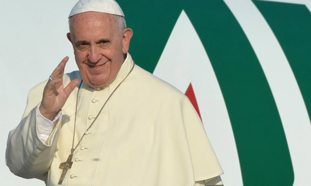 Pope urges Iran to act for peace in Mideast