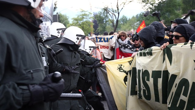 Anti-G7 protesters block road to summit site