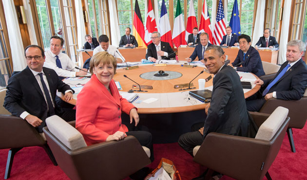 G7 warns Russia with more sanctions