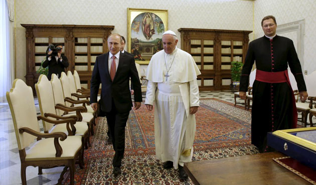 Putin, Pope discuss Ukraine peace