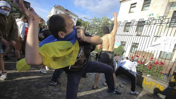 Ukraine, Russia protest attacks on diplomatic missions