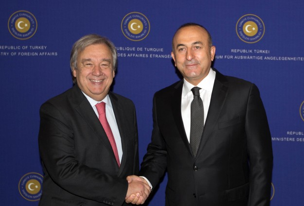 Turkish FM meets UN envoy for refugees