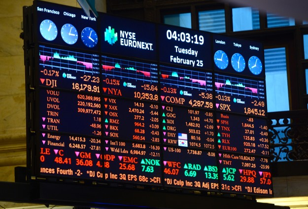 Computer glitches disrupt NYSE, WSJ, United Airlines