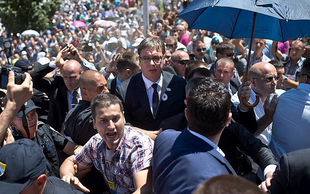 Serbia PM calls for early parliamentary vote