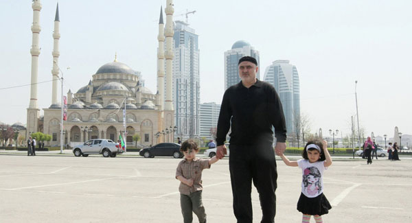 Muslim trendsetters in Moscow defy stereotype