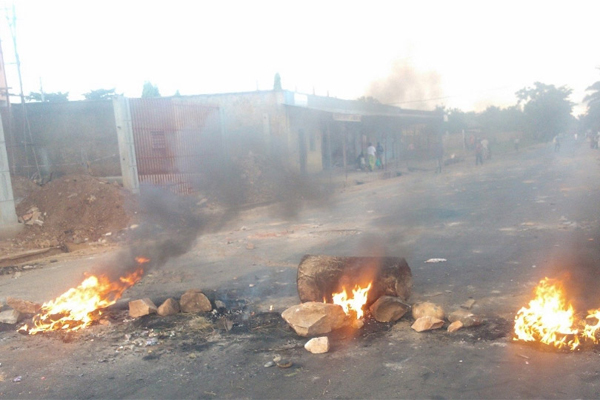 Five people, one police killed in Burundian capital
