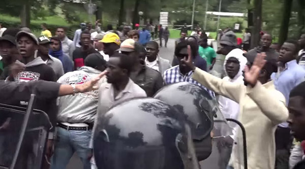 African refugees protest work authorisation in Italy