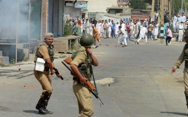 Slain driver's funeral sparks protests, clashes in Kashmir